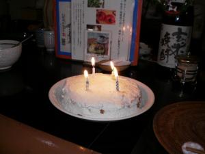 なんと誕生日ケーキまで・・・蝋燭の本数は・・・