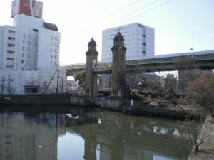 どっかの運河の水門