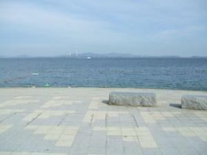 祭りの後の篠島サンサンビーチ監視所広場・・・