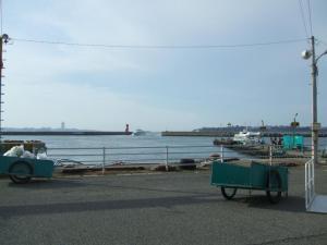 篠島港・・・