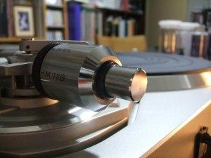 Technics SL-QX300P のトーンアーム に サブウェイトを装着したところ