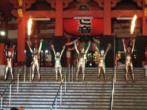 大須観音 大駱駝艦 カルミナ・ブラーナの音楽で艶めかしく登場・・・