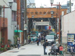円頓寺秋のパリ祭2015 円頓寺入り口の様子・・・