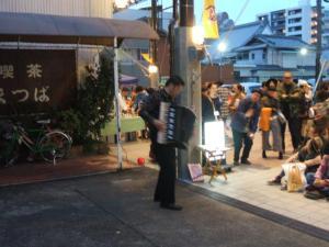 円頓寺商店街 秋のパリ祭2015 田ノ岡三郎 @喫茶「まつば」前