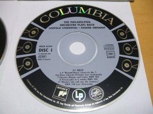 CDラベルデザインの例(ラベル部のみ、音溝なし)